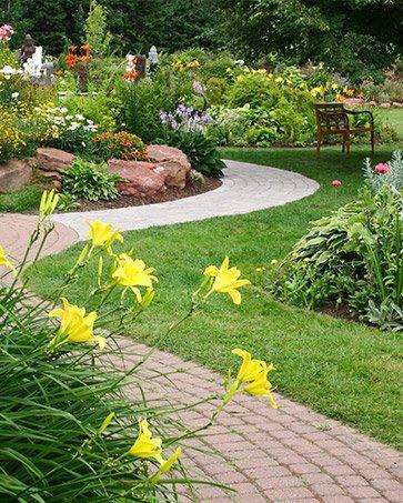 Услуги по благоустройству и озеленению участка